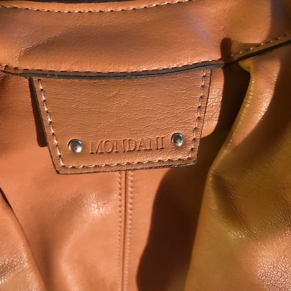Mondani Handbags - 👜EUC MONDANI POUCH BAG👜